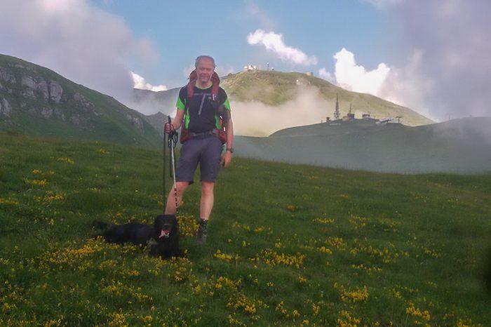 Tage og Geco med Monte Cimone i bakgrunnen