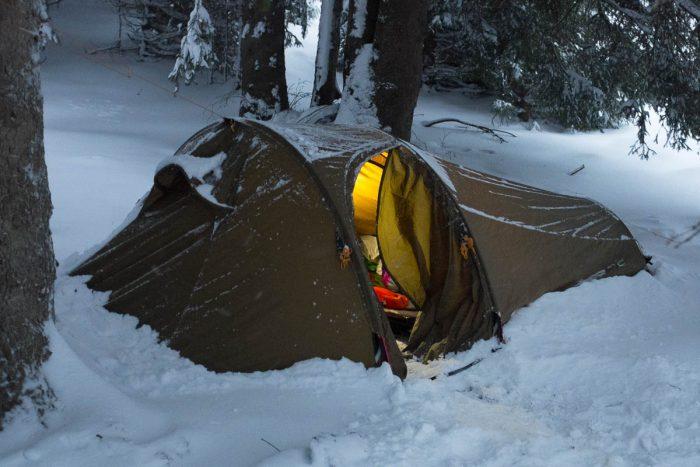 Telt i sne